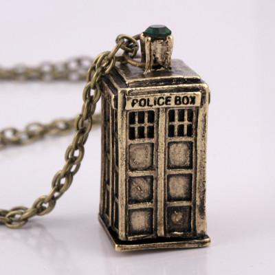 Pandantiv Serial Doctor Who Tardis - Police Box Argintiu Auriu CALITATE Colier foto