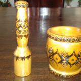 Mojar cu Pistil din lemn sculptat