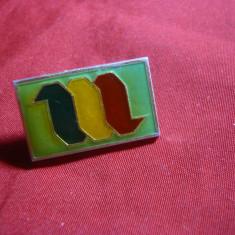 Insigna Apararea Civila -Tricolor , metal si email , L= 2,5 cm