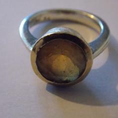Inel argint cu citrin in caseta aur - 178