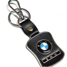 Breloc auto model pentru BMW detaliu piele ecologica si cutie simpla cadou