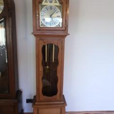 Pendula, ceas pendul de podea, vechi german, mecanic cu bataie la jumatate si fix