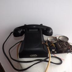 Telefon interbelic, marca Erikson, cu manivela in stare de functionare.Rereducere!