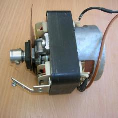 Motor magnetofon Tesla B115