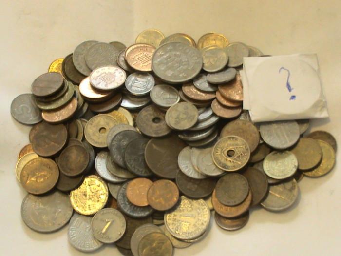 Numismatica pentru toti Lot 200 monede+ 1(supriza)