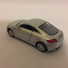 Machete auto, masina de colectie din metal la scala 1:32