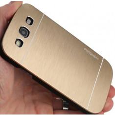 Husa pelicula aluminiu MOTOMO gold auriu Samsung Galaxy S3 i9300 + folie ecran