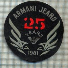 354 -EMBLEMA- ARMANI JEANS - BRAND RENUMIT DE IMBRACAMINTE -starea care se vede