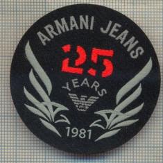356 -EMBLEMA- ARMANI JEANS - BRAND RENUMIT DE IMBRACAMINTE -starea care se vede