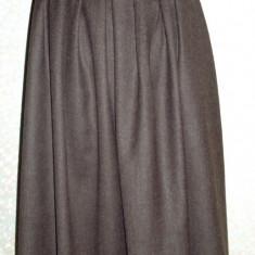Fusta din stofa de lana, culoare maro inchis, 3/4, Larga, Marime: 38