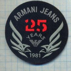 349 -EMBLEMA- ARMANI JEANS - BRAND RENUMIT DE IMBRACAMINTE -starea care se vede