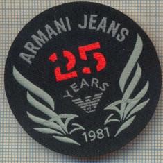 355 -EMBLEMA- ARMANI JEANS - BRAND RENUMIT DE IMBRACAMINTE -starea care se vede