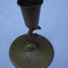 Sfesnic vechi din bronz patinat avand piciorul in forma de peste, anii 1920