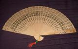Evantai vintage din Epoca de Aur anii 80, produs handmade, cu ambalaj original