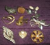 Lot 8 brose vintage de colectie, bijuterii COOP, podoabe artizanale Epoca de Aur