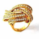 Superb inel 9K gold filled cu cristale Swarovski.  Marimea 6