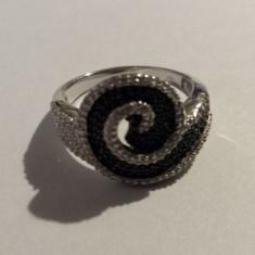 Splendid si Finut Inel argint cu pietre semipretioase executat manual superb