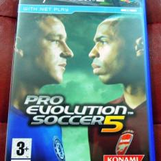 Joc Pro Evolution Soccer PES 5, PS2, original, alte sute de jocuri! - Jocuri PS2 Altele, Sporturi, 3+, Multiplayer
