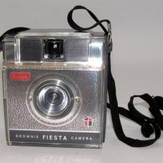 Kodak Brownie Fiesta (1496) - Aparat Foto cu Film Kodak