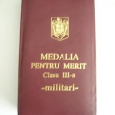 MCD - DECORATIE MILITARA - MEDALIA PENTRU MERIT CLASA III + BONUS!!!!