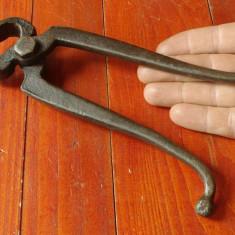Scule / unelte - vechi cleste de fierarie - model deosebit cu marcaj !!!! - Metal/Fonta