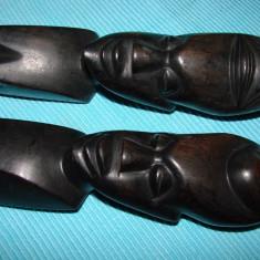 Doua statuete  din lemn de abanos, arta africana (1)