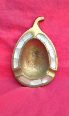 Scrumiera din bronz in forma de frunza !!! foto