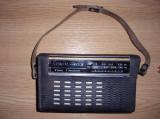 RADIO SOKOL 403 , 7 TRANZISTOARE ,FUNCTIONEAZA SI ARATA IMPECABIL .