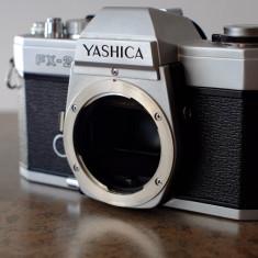 Body Yashica FX-2 in montura Contax/Yashica - Aparat Foto cu Film Yashica
