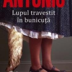 San - Antonio - Lupul travestit în bunicuta