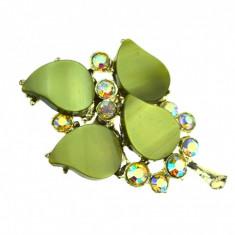 Brosa vintage trifoi cu 4 foi, cristale Bohemia verzi Aurora Borealis, anii 1950 - Brosa Fashion