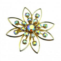 Brosa vintage aurita, model floare cristale Bohemia Carnival Borealis, anii 1950 - Brosa Fashion