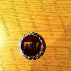 Emblema FIAT rosu - Embleme auto