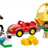 LEGO® DUPLO® Masina cu remorca pentru cai