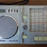 RADIO GRUNDIG YACHT BOY 400 .