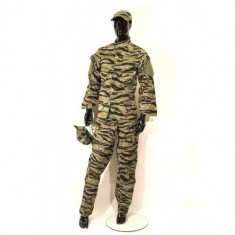 Costum camuflaj 4 piese Tiger Regular - M [Swiss Arms] - Uniforma militara