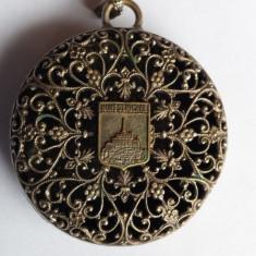 Spectaculos si Vechi Medalion Franta art nouveau Vintage executat manual superb