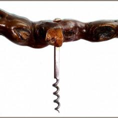 Tirbuson cu maner din lemn de vita de vie