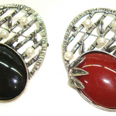 Set 2 Brose din aliaj antichizat si perle MARTISOARE -model Vintage - Martisor speciale