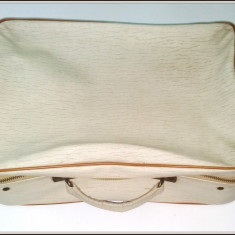 Valiza / Geamantan anii '70 din piele ecologica( 40cm x 27cm x 14cm ) - Geanta vintage