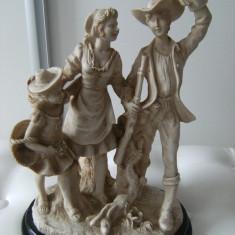 Superba statueta din alabastru, veche, Vanatorul si familia sa, de colectie/decor. - Sculptura, Animale, Europa