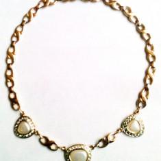 Colier de dama placat cu aur si ornamente perlate si zirconiu - Lantisor placate cu aur