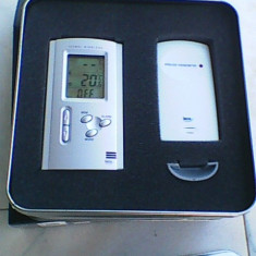 Termometru elegant digital elvetian Irox de birou sau perete cu senzor wireless