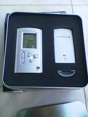 Termometru elegant digital elvetian Irox de birou sau perete cu senzor wireless foto