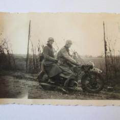 FOTO MILITARI GERMANIA NAZISTA PE MOTOCICLETA ANII 30 - Fotografie veche