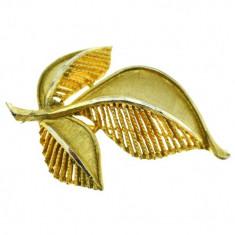 Brosa vintage aurita, design modernist Leaf, semnata casa bijuterii BSK New York - Brosa Fashion