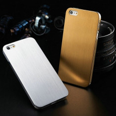 Husa iPhone 5, 5s, SE, lux 100% aluminiu finisat, 0.3 mm, catifea interior, GOLD - Husa Telefon Apple, Auriu, Metal / Aluminiu