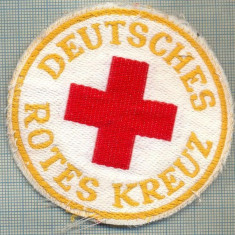 27 - EMBLEMA CRUCEA ROSIE -ROTES KREUZ- GERMANIA -MILITARA? -starea care se vede - Uniforma militara
