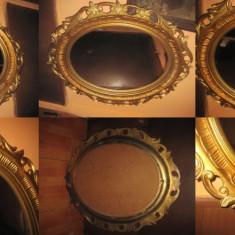 Oglinda mare Baroc cu rama din calamina sintetica plastefiata.