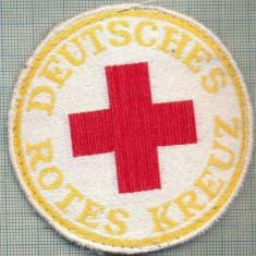 29 - EMBLEMA CRUCEA ROSIE -ROTES KREUZ- GERMANIA -MILITARA? -starea care se vede - Uniforma militara